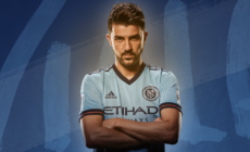 Ídolo da torcida, David Villa renova até 2018 com o New York City